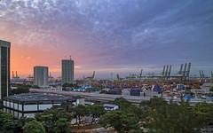 Sunrise @ Tanjong Pagar Terminal Singapore (gintks) Tags: gintaygintks gintks singapore singaporetourismboard singapur sg51 tanjongpagar portofsingapore psa sunray sunrise epicsunset landscapes yoursingapore exploresingapore psatanjongpagarcomplex
