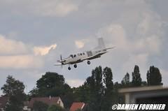 DSC_0880 (damienfournier18) Tags: aroport aroportdenevers lfqg nevers avion aiation aronefs parachutiste dr400