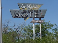 LOS ALAMITOS MOTEL GRANTS NEW MEXICO ROUTE 66 (ussiwojima) Tags: newmexico sign advertising route66 neon ghost motel grants losalamitosmotel
