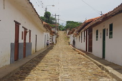 Guane, Colombia (ARNAUD_Z_VOYAGE) Tags: cloud color colour church colors beautiful architecture clouds america landscape site amazing san colombia catholic colours view cross roman south centro colonial central american huge gil region department active centrale barichara guane