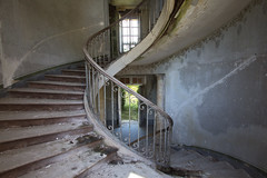 Life is an ascent (explore) (Post-Mortem (Alexandre Katuszynski)) Tags: urbex urbanexploration ue urbexfrance abandoned abandonn abandonedcastle chateauabandonn chateau castle stairs staircase abandonedstairs abandonedstaircase escalier decay derelict decayed verlassen forgotten lostplaces lowlight
