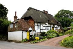 Forge Cottage * (clivea2z) Tags: unitedkingdom greatbritain hampshire southdownsnationalpark eastmeon cottage thatchedcottage thatchedbuilding countrycottage england
