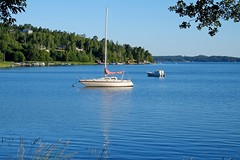 DSCF5845 (Peter Ghita) Tags: summer lake seasons tyres fujinonxf1855mmf284rlmois fujifilmxt1