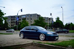 Opel Astra G (Paul.Z.Foto) Tags: auto car vehicle automobile automotive bil vilnius town city urban daylight day daytime time less works timeless timelessworks photo foto photograph photography pic picture image spotted euro european edm low lowered modified tuning tuned stance fitment
