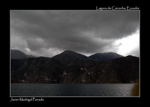 Laguna de Cuicocha, al pie del volcán Cotacachi.