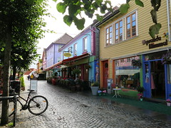 Fargegaten (flips99) Tags: fargegaten colourful street gate buildings bygninger hus houses wooden trehus colours city town stavanger norway august 2016 canonpowershotg15 cobblestones brostein