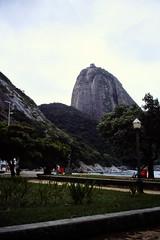 2003-03-24 Rio de Janeiro 18 (MicdeF) Tags: brasile brazil dapraiavermelha dia diapositiva pandizucchero paodeazucar riodejaneiro scan scansione slide geo:lat=2302429972 geo:lon=4449799776 geotagged