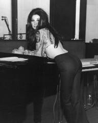 5738 (ierdnall) Tags: love rock hippies vintage 60s retro 70s 1970 woodstock miniskirt rockstars 1960 bellbottoms 70sfashion vintagefashion retrofashion 60sfashion retroclothes