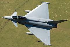 ZJ935 RAF Typhoon FGR.4 (Sam Randles) Tags: wales typhoon raf lowlevel fighterjet royalairforce machloop lfa7 zj935