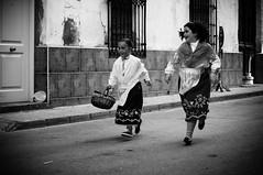 Runners [Explore] (BuRegreg) Tags: street urban calle spain streetphotography explore urbana streetphoto rua rue albacete castillalamancha callejera 2015 lagineta