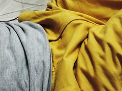 Dobras (C.Carmini) Tags: colors clothes roupas