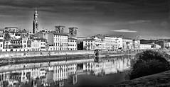 Florencia, Italia. (Mara Rene Batlle) Tags: viaje blancoynegro ro nikon europa italia ciudad florencia ros mundo reflejos viajeros construcciones nikond600 roarno