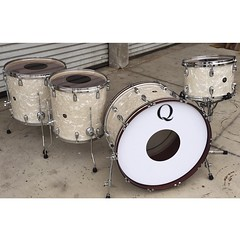 We have always loved the classic look of the antique white marine pearl. Mahogany/Poplar/Mahogany shells 24, 13, 16, 18. All toms with die cast hoops. This set sounds incredible. Have fun with this @chris_hornbrook !!! #qdrumco #drums #poisonthewell #sens