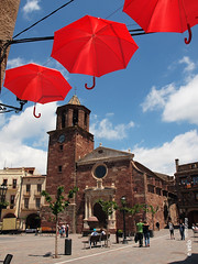 PRADES-36 (e_velo ()) Tags: 2016 catalunya baixcamp prades primavera spring olympus e620 churches esglsies iglesias umbrellas