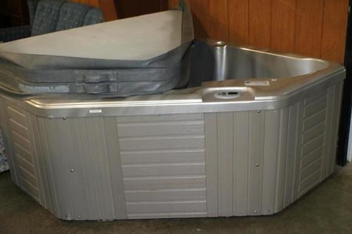 Caldera SPA 2 Person Hot Tub (1,036.00)