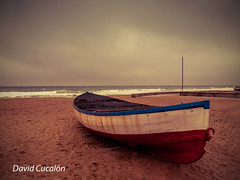 Before the storm (David Cucaln) Tags: davidcucaln cucalon boat barca beach playa costa tormenta storm sky cielo sand arena