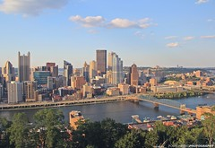Golden Pittsburgh (FourOneTwo Photography) Tags: pittsburgh 412 lovepgh city skyline cityskyline urban urbanromantix urbanexplorer goldenhour sunset fouronetwophotography