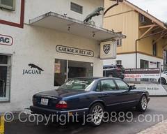 Jaguar Garage Rey, Zurich-Albisrieden, Switzerland (jag9889) Tags: 2016 20160721 auto automobile ch cantonzurich car europe garage helvetia jaguar jaguarxj8 outdoor schweiz suisse suiza suizra svizzera swiss switzerland transportation vehicle zurich zrich jag9889 leaper