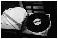 David Toop & Evan Parker, Sharpen Your Needles 5 @ Cafe Oto, London, 2nd August 2016 (fabiolug) Tags: davidtoop evanparker sharpenyourneedles records lps vinyl ethnographic talk cafeoto london dalston music gig performance concert live livemusic leicammonochrom mmonochrom monochrom leicamonochrom leica leicam rangefinder blackandwhite blackwhite bw monochrome biancoenero zeisscsonnartf1550mmzm zeisszm50mmf15csonnar zeisscsonnar zeisssonnar zeiss sonnar 50mm sonnar50mm 50mmf15