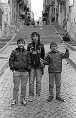 Contax RTS II Istanbul (shakmati) Tags: portrait bw white black film blanco zeiss 35mm turkey 50mm negro istanbul contax ii hp5 rts blanc ilford nero 135mm planar