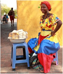 Street Vendor in Cartagena, Colombia (kcezary) Tags: travel summer vacation portrait tourism outdoors colombia places cartagena ritratto портрет жена фотография улица путешествия canonprimelens canon5dmkii mylensdb canonef40mmf28stm