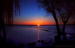 - l a s t l i g h t - (swaily  Claudio Parente) Tags: italy lago nikon umbria trasimeno d300 swaily