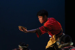 Plate dancer (sunset-obsessed) Tags: dance performance performingarts dancer malaydance