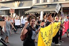 Black Lives Matter- Demo in Berlin, Juli 2016 (bsdphoto) Tags: demonstration protest demo berlin politik blacklivesmatter rassismus solidaritt schwarze blackcommunity peopleofcolor farbige kreuzberg oranienstrase erhobenefaust kmpferisch deutschland deu