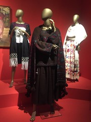 """Traje Nahua"" (c) Yolanda Morales #moda @FomentoCulturAC #artesanias #fotografa #indumentaria (YOLANDA MORALES) Tags: artesanias moda fotografa indumentaria"