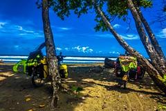 Lunch break in Playa Matopalo.