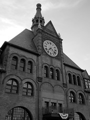 Head House (reehren) Tags: jerseycity libertystatepark terminal headhouse clock brick