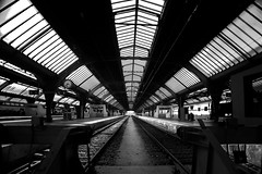 B&W Zurich Bahnhof (Chacky) Tags: bw zurich bahnhof switzerland europe subway train trainstation station perspective symmetric symmetrical contrast linear blackandwhite black block blur white whiteblack mono monochrome monopod canon canon600d canel candy alicantecf sch swiss