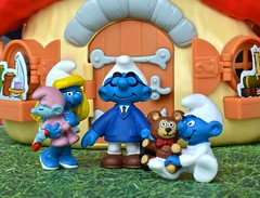 Chapter 3 (linda_lou2) Tags: 52weeksof2016 week32 themechapter3 categorystorytelling smurfs schleich smurfette babysmurf