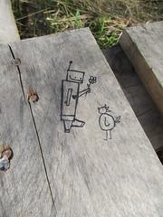 (lu.glue) Tags: lu luglue drawing robot bird chick dessin pole oiseau disegno uccello zeichnung kken vogel hhnchen schwarz black line linie nero negro noir ligne linea holz wood bois