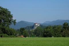 Bled / Eslovenia / Slovenia (Ull mgic) Tags: bled eslovenia slovenia castell castillo castle natura naturaleza nature paisatge paisaje landscape prat bosc bosque arbres arboles fuji xt1