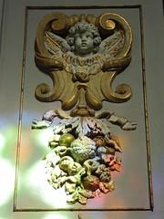Gilded cherub (Granpic) Tags: france toulouse midipyrnes hautegaronne church glise glisesaintexupre cherub light reflection