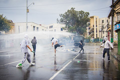 (. . .) Tags: chile valparaiso riot sitting angle cloudy wide protest photojournalism police social protesta sit gran nublado angular 11mm journalism disturbios