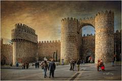 (060/15) Puerta del Alcázar en la muralla de Avila (Pablo Arias) Tags: españa art photoshop spain arquitectura arte hdr texturas avila smörgåsbord photomatix sigma1020 edificiosymonumentos olequebonito nikond300 greatmanipulart grouptripod olétusfotos goldenvisions pabloarias