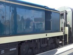 1978 schwere dieselhydraulische Rangierlokomotive 295 095-4 Typ V90P von Maschinenbau Kiel (MAK) Werk-Nr. 1000768 bei A.V.G. Bahnhof in 39418 Staßfurt (Bergfels) Tags: bergfels technischesdenkmal lokbilder lokomotive 1978 1970er 20jh brd schwer dieselhydraulisch rangierlokomotive 2950954 rangierlok typ v90p v90 dbbaureihe maschinenbaukiel mak werknr 1000768 avg bahnhof 39418 stasfurt ex 2910958 normalspur achsformel bb lüp achtzylinder 8zylinder viertakt reihenmotor 8m282akb 8m282 turbo bohrung hub hubraum zylinderhubraum ccm cui leistung ps mw megawatt dauerleistung umin motorenleistungsgewicht pskg motorenhubraumleistung psl motorengewicht motorgewicht anfahrzugkraft kn geschwindigkeit kmh produktionszeitraum 19741978 produziertestückzahl maschine grosemaschine fahrzeug schienenfahrzeug vierachsig dieselsound masse dieselengine dieselmotor diesellocomotive diesellokomotive mov