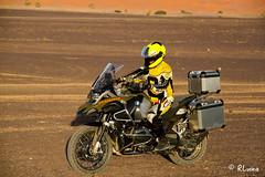 MERZOUGA (Marruecos) (RLuna (Charo de la Torre)) Tags: moto offroad raid motocross rally gustavocuervo mototurismo atardecer sunset agadir africa marruecos musulman muslim arabe mezquita desierto cultura arte oasis viaje vacaciones rluna rluna1982 soe fiatlux nature photography canon ramadan ecologia medioambiente naturaleza movistar instagram flickr spotlight gustavocuervoes enduro motobike bike instagramapp me camera natural lignt