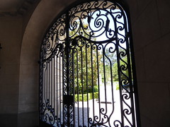 Closed gate (c_nilsen) Tags: california house architecture digital gate wroughtiron mansion digitalphoto hillsborough sanmateocounty carolands