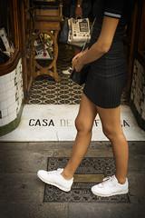 escrito en el suelo (Sonia Grases) Tags: ganiveteria josep roca barcelona negocio antiguo shop old city street photo plaa del pi