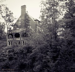 Mansion in the Woods (Connie KCMO) Tags: woods trees mansion glensheen duluth minnesota