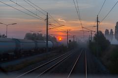 Train drivers sunrise (westrail) Tags: nikon nikkor d800 dslr f28 digicam digitalkamera afs2470 lens objektiv fotograf photographer andreasberdan omot youmademyday europa europe österreich austria niederösterreich loweraustria airport viennainternationalairport vie loww railjet öbb hiwosomoshots
