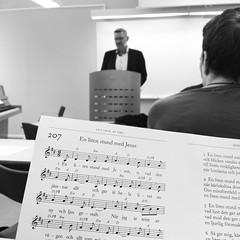 """På dagens #Andligtforum pratar Per Åkerlund, präst i Svenska Kyrkan, över rubriken """"Bär vanan och vanan kommer att bära dig"""". Årets tema för Andligt Forum är """"Lär oss be. En böneskola"""""""