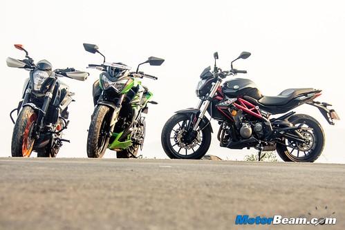 Kawasaki-Z250-vs-Benelli-TNT-300-vs-KTM-Duke-390-14