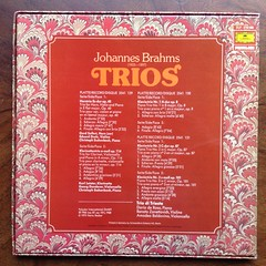 Backside Brahms - Trios - Horn op.40, Clarinet op.114 - Georg Donderer Violon Cello, Eduard Drolc Violin, Christoph Eschenbach Piano, Karl Leister Clarinet, Gerd Seifert Horn & 3 Piano Trios op.8, op.87, op.101 - Trio di Trieste (Dario de Rosa, Renato Zan (Piano Piano!) Tags: musician artwork album vinyl collection record sleeve hoes 12inch vynil hulle op87 op101 19681975 eduarddrolcviolin renatozanettovich christopheschenbachpiano brahmstrioshornop40 clarinetop114georgdonderervioloncello karlleisterclarinet gerdseiferthorn3pianotriosop8 op101trioditriestedarioderosa amadeobaldovino dgg2733006 box3lpprivilege 1966op87 recordalbumdisclpvinylvynil12inch coverarthoeshulle12inch discdisquerecordalbumlplangspeelplaatgramophoneschallplattevynilvinyl