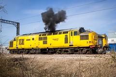 97304.Tuxford.2.4.15 (deltic17) Tags: heritage locomotive shoebox growler englishelectric networkrail tuxford class37 class73 enginestart