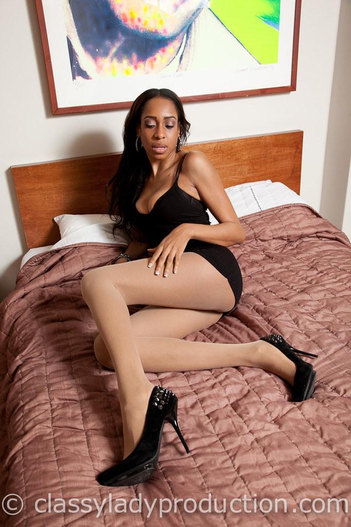 Ebony ass in tights