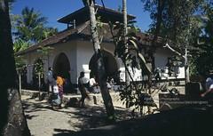 Lombok, Sassak Villages, mosque (blauepics) Tags: indonesien indonesia indonesian indonesische lombok island insel religion moschee mosque islam muslim building gebude sassak village 1991